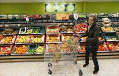 Confiança do Consumidor avança pelo terceiro mês consecutivo - http://po.st/C2aXwE  #Economia - #ICC, #IE, #IPCS