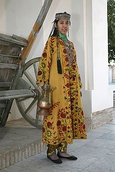 The ethnic clothing that Nargis Bekmuhamedova makes in the Uzbek and Tajik traditions often requires collaboration because of the varied skills required. Folk Clothing, Historical Clothing, Traditional Fashion, Traditional Dresses, Textiles, Ethnic Dress, Folk Costume, Ethnic Fashion, Beautiful Outfits