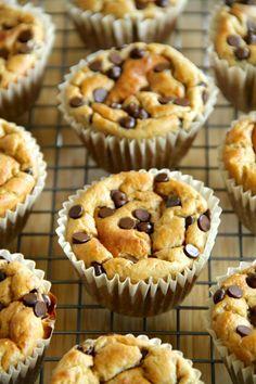 Banana Oat Greek Yogurt Muffins #greekyogurt #healthy #muffins