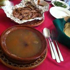 Consome de borrego y barbacoa clasica Domingo