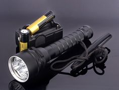 41.38$  Watch now - http://alimdi.shopchina.info/1/go.php?t=32487430713 - Waterproof 5x CREE XM-L2 8000LM LED Diving Flashlight Underwater Lamp Torch + 2pcs 18650 Battery + Charger 41.38$ #magazine