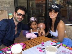 #SunnyLeone and #DanielWeber give daughter #Nisha a princess moment on her #birthday