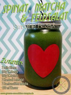 Grüner Smoothie mit Spinat, Matcha, Feldsalat, Mango und Birne