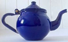 Vespa Ape, Enamel Ware, Eritrean, Oeuvre D'art, Farmers, Tea Time, Tea Pots, Club, Tableware