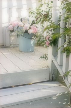 This is so beautiful. I wish I could wake up every morning and walk out to my porch and see these roses!