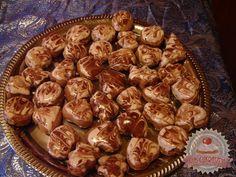 Karácsonyi illatos keksz Stuffed Mushrooms, Vegetables, Cooking, Desserts, Advent, Food, Elegant, Stuff Mushrooms, Kitchen
