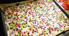 ... ist heute in die Schule mitgenomen worden, wie schon zu meiner Zeit! Diesen Kuchen hat mein Papa uns vieren immer gebacken, wen...