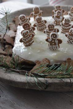 You can`t use up CREATIVITY. Vibeke Design, Christmas Gingerbread House, Scandinavian Christmas, Rustic, Creative, Holiday, Desserts, Farmhouse, Food