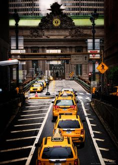 yellow taxis in New York City