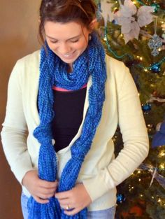 No-Knit Scarf.  Now that's my kind of craft! :-)