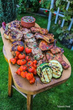 COSTIȚE SUCULENTE CU SOS BBQ LA CUPTOR I Rețetă + Video - Valerie's Food Grilling, Bbq, Food And Drink, Pork, Red Peppers, Barbecue, Barrel Smoker, Crickets