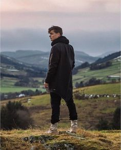 """Martin Garrix in the video for his new single """"Scared to be Lonely"""" with Dua Lipa which will be out on  27th Jan 2017 ➕✖ #martingarrix"""