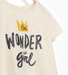 "Imagem 3 de T-SHIRT ""WONDER GIRL"" da Zara"