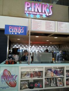 PINK'S hot dogs at Los Angeles Intl Airport #LAX