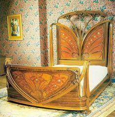 Art nouveau homes: art deco bed. Art Nouveau Interior, Design Art Nouveau, Art Nouveau Furniture, Art Nouveau Architecture, Art And Architecture, Belle Epoque, Muebles Art Deco, Art Deco Bedroom, Bedroom Decor