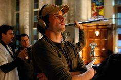 Tom Welling calling the shots on the set of Smallville Smallville Clark Kent, Tom Welling Smallville, Scene Photo, Movie Photo, Smallville Quotes, Superman, Allison Mack, Kristin Kreuk, Lex Luthor