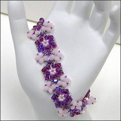 Ring Around the Roses Bracelet by Mabeline Gidez -  Free Tutorial!
