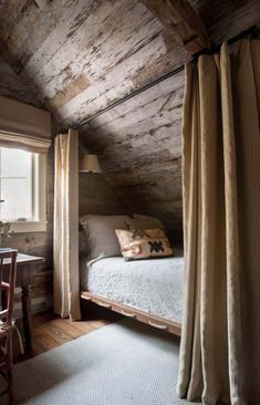 cabin decor A Rustic and Refined Cabin in the Tennessee Woods Blue and White Home Rustic Home Interiors, Rustic Home Design, Decor Interior Design, Rustic Decor, Modern Decor, Diy Design, Design Ideas, Design Inspiration, Home Bedroom