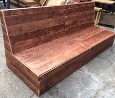 DIY Beefy Pallet Armless Outdoor #Sofa | 101 Pallets