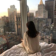 New York Life, Nyc Life, Apartment View, New York City Apartment, Dream Apartment, Apartment Goals, City Apartments, Apartment Interior, Photo Tips