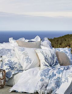 Zara Home United Kingdom - Home Page Beach Condo, Beach House Decor, Zara Home, Linen Bedroom, Bedroom Decor, Nautical Duvet Covers, Marine Style, Window Bed, Window Seats
