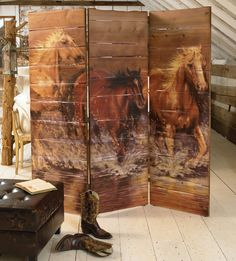 Horse Room Screen or any other design make it with pallets! I use a room divider for my headboard, it's covered in leather, but this is so pretty. Bamboo Room Divider, Glass Room Divider, Room Divider Screen, Room Screen, Fabric Room Dividers, Sliding Room Dividers, Chinoiserie, Room Divider Bookcase, Divider Cabinet
