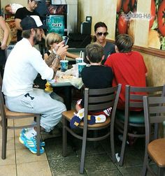 The beckham family just casually eating at a subway. haha! I don't know why I find this so funny!