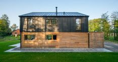 Black Cladding, Maine Cottage, Black Barn, Outside Living, Modern Homes, Building A House, Spain, Shed, Farmhouse