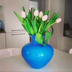 Flowers and NasonMoretti's handmade in original Murano glass products.