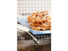 Funnel Cake Recipe Ingredients 1 tablespoon sugar 1 teaspoon baking soda 1 teaspoon salt 2 cups all-purpose flour 1 teaspoon vanilla 1 egg, beaten 2 cups milk 1/2 stick (4 tablespoons) butter, melted powdered sugar, for topping