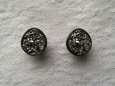 Silver Color Drusy Quartz Gunmetal Gray Vintage Style Plugs Gauges Size: 00g (10mm) by PorcupineSpines, $22.00