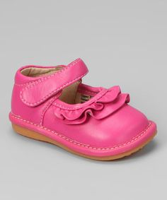 Steps and style will be amplified with these squeaker mary janes that encourage little ones to stride from heel to toe. Featuring a row of ruffles, adjustable straps and removable squeakers, this pair looks and feels as fantastic as it sounds.