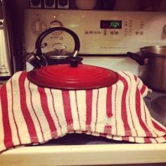 Kitchen towel trick for cooking perfect rice