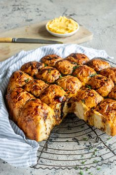 If you're a fan of Bovril and cheese toast, then you've met the bread of your dreams. A cheesy, savoury pull-apart bread that will be an instant hit! Braai Salads, South African Recipes, Ethnic Recipes, Cheesy Pull Apart Bread, Fun Baking Recipes, Bread Recipes, Block Of Cheese, Daily Bread, Diy Food