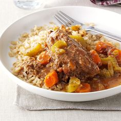 Our Favorite Slow Cooker Beef Recipes - Have a busy day ahead? Put your crock pot to work! Our favorite slow cooker beef recipes boast major flavor. Think sizzling fajitas, cozy stews, rich brisket, BBQ, and beyond. Slow Cooker Beef, Slow Cooker Recipes, Crockpot Recipes, Steak Recipes, Sausage Recipes, Copycat Recipes, Easy Recipes, Cooking Recipes, Swiss Steak