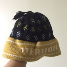 Vintage 100% wool VERMONT handcrafted Bonnet hat In perfect condition. Kids size Vintage Accessories Hats
