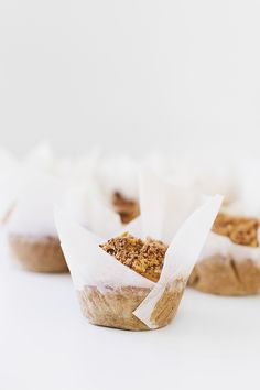 Muffins de Cenoura & Laranja com Topping de Nozes