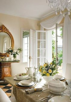 Decor Inspiration: French Country Kitchens, via It's all about kitchens in France, some with French Country style and others as chic and modern as they… French Country Dining Room, French Country Kitchens, French Country Cottage, French Country Style, Country Living, Country Farmhouse, Cottage Style, French Country Curtains, Top Country