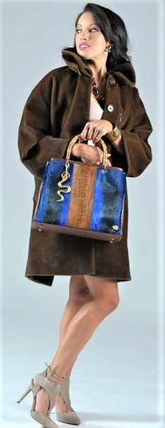 BLUE SPRINGBOK/OSTRICH/BAMBOO TOTE FASHIONSHOOT MARYDOS COLLABORATION UG-LEE Jewelry Design, Leather, Bags, Fashion Design, Products, Style, Handbags, Swag, Taschen
