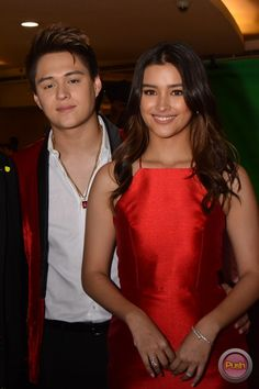 """MyExAndWhys-PremiereNight-48 - LizQuen at the packed """"My Ex and Whys"""" red carpet premiere - Push.com.ph Teen Actresses, Indian Actresses, My Ex And Whys, Selfies, Lisa Soberano, Enrique Gil, Daniel Padilla, Jadine, Celebrity Look"""