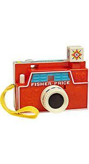 Love these old fashioned toys for kids. Especially the camera and record player.