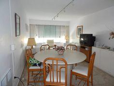 Apartamento En Venta De 2 Dormitorios En Playa Mansa - U$S 240.000,00