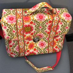 Vera Bradley Computer Bag A little worn Vera Bradley work bag! Has multiple compartments! 13 inches in length and 11 inches in height. Fits more than just a laptop! Pet and smoke free home. Vera Bradley Bags Laptop Bags
