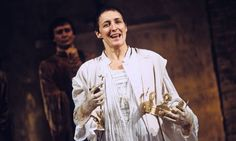 Fiona Shaw in Richard II at the National Theatre Cottesloe, London, in 1995 Theatre Geek, Theatre Stage, Theater, Shakespeare Characters, Shakespeare Plays, Scenography Theatre, King Richard, London Theatre, National Theatre