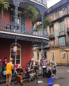 Only in the French Quarter will you find terrific jazz bands playing in the street... love this city! #NOLA #frenchquarter #jazz by christylynned