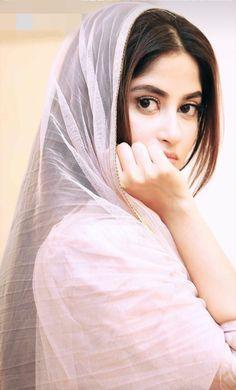 #dp_sajal_aly Beautiful Girl Indian, Beautiful Girl Image, Beautiful Hijab, Beautiful Suit, Stylish Girls Photos, Stylish Girl Pic, Pakistani Girls Pic, Sajjal Ali, Indian Photoshoot