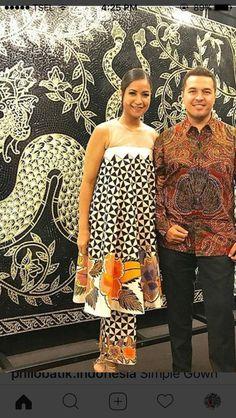Batik Fashion, Ethnic Fashion, African Fashion, Womens Fashion, Batik Kebaya, Batik Dress, Church Outfits, African Wear, Vogue Fashion