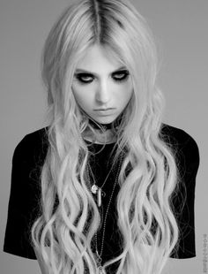 Taylor Momsen /The Pretty Reckless