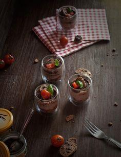 Tiramisu réalisé avec les croquets aux olives de nyons et la tapenade noire de la sélection Provence, par Sokeen