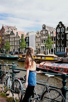 Amsterdam Red Light District, Amsterdam City, Amsterdam Itinerary, Amsterdam Photography, Dutch People, Europe Continent, Medieval Town, Queen, Travel Alone